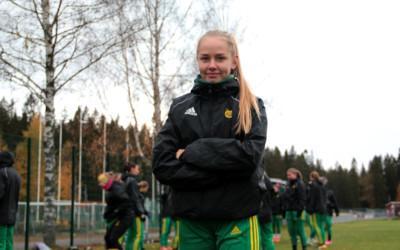 Uusi liigadebytantti: Pallo-Iirojen kasvatti Sofia Määttä