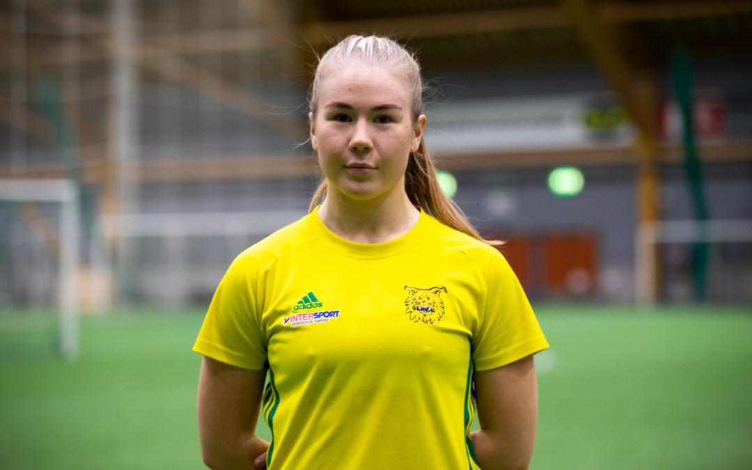 Joanna Simola on valmis taistelemaan pelipaikasta puolustuksessa